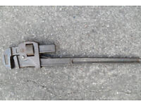 24 Record Pipe Wrench