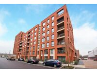 3 bed apartment set on 6th floor of Pandorea house in Colindale Gardens, NW9 £480PW - SA