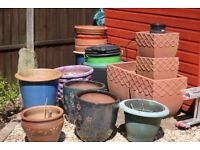 QUANTITY OF USED PLANT POTS IN VARIOUS SIZES, SHAPES & CONSTRUCTION.
