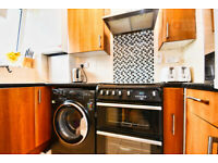 Gorgeous 3 Bed Flat Located stone throw away from Whitechapel Underground - East London E1