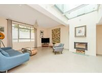 An exceptional three bedroom house in a gated development tucked away behind Royal Crescent.