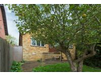 2 bed detached house High Wycombe