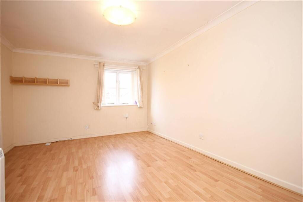 Stunning two bedroom furnished apartment in Dagenham Dss accepted with guarantor