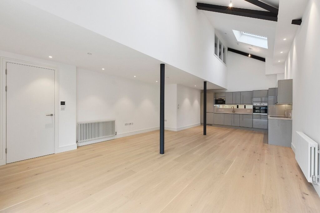 Warehouse Conversion Three Bedroom Town House £££ No Fee's For Tenants £££