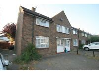 BEAUTIFUL 3 bedroom semi detached house available in Romford / Harold Hill RM3.