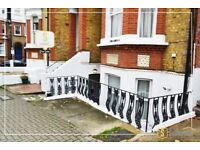 Stunning studio for sale in heart of Putney, share of freehold