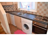AMAZING LOVELY 1 BEDROOM FLAT IDEALLY LOCATED NEAR ZONE 2 NIGHT TUBE, 24 HOUR BUSES & SHOPS