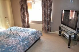 ***Real Move Estates are pleased 2 Double Bedroom House in Dagenham RM9. Available on 11th DECEMBER