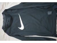 Nike base layer size S 8-10 years old