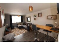VERY SPACIOUS 1 BEDROOM PURPOSE BUILT APARTMENT IN FANTASTIC CONDITION