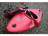 Avoncraft Prijon Kayak 1 man with oar and life vest