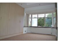 Beautiful 3 bedroom unfurnished flat in Barnet available now all bills inclusive