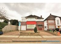 4 bedroom house in Highfield Gardens, Golders Green, NW11