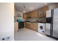 5 DOUBLE BEDROOM TOWN HOUSE WITH KITCHEN DINER MOMENTS FROM KINGS CROSS & EUSTON! UCL! LSE! STUDENTS