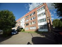 A beautiful two double bedroom purpose built apartment close to Woodside Park Station