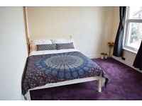 Large double room in Tooting Broadway . Available now.