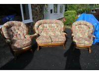 VERY CLEAN AND COMFORTABLE COTTAGE STYLE SUITE 2 CHAIRS PLUS 2 SEATER SETTEE
