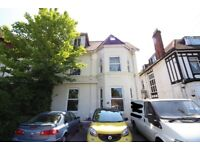 1 Bedroom Flat in Bournemouth - NEAR PARK & MAIN TRANSPORT ROUTES - OFF ROAD PARKING - £575PCM