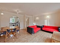 AVAILABLE SEPTEMBER 5 DOUBLE BEDROOM 3 BATHROOM HOUSE IN AMBASSADOR SQUARE E14 FURNISHED PARKING