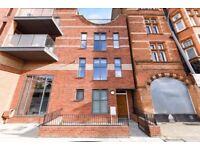 Kensington-4 Bedroom Luxury Townhouse,2 Bathrooms,Private Roof Terrace,Permit Parking