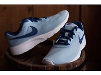 BRAND NEW IN BOX Womens Nike trainers size 4.5