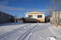 130 Sunset Way SE, High River, AB