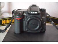 Nikon D7000 DSLR Camera MINT CONDITION