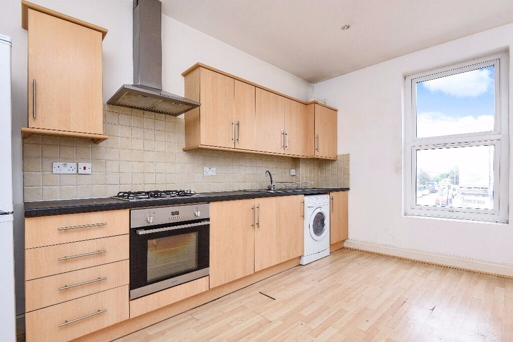 A first floor flat offering two double bedrooms and a roof terrace, situated on Trinity Road.