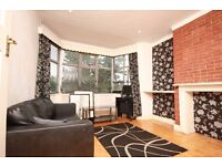 A spacious 2 double bedroom flat located close to East Acton Station & amenities