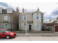 Large 5 bedroom, 2 bathroom HMO flat in Calsayseat Road, Aberdeen