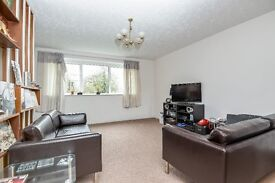 4 Bed Terrace House with garden - 10 minute walk to Forest Hill Station - Novemeber - £2100PCM
