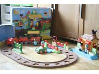 Happyland Train Set and accessory Station pack