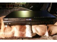 Yamaha BD S673 Blu Ray 3D DVD Player