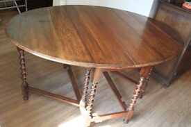 Gate legged, oak Dining table