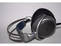 PHILIPS WIRED HEADPHONES MODEL SBC HP840 Long Cable Lead Large Excellent Sound