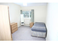 1 double room in townhill - suited for female to house share with current female tenant