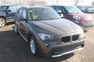 2012 BMW X1 xDrive, AWD, Navi, Panoramic Roof, Alloys, Premium