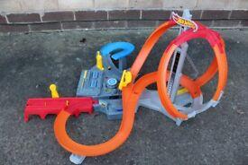 Hot Wheels Spin Storm Crash Set