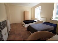 Amazing Spacious Twin Room located next to Camden High Street, free Wifi, available now 39C