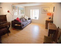 2 bed flat, near The Shore, Leith (long term let)