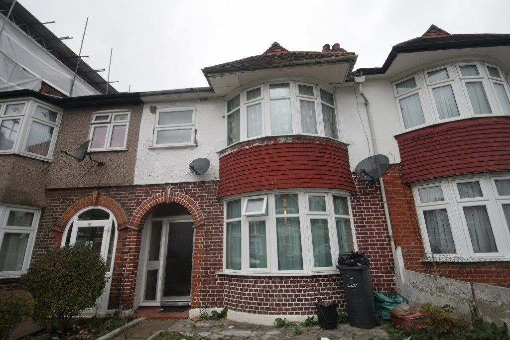 Very spacious 5 bedroom house terrace house in Streatham