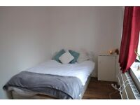 BIG DOUBLE ROOM FOR RENT WITH AN AMAZING ROOFTOP TERRACE