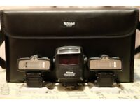 Nikon R1C1 macro flash system for sale-Mint and complete