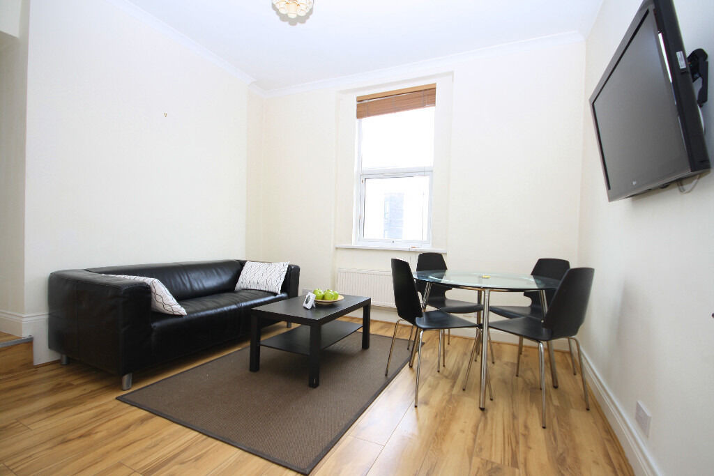 Recently Refurbished Two Bed Apartment Available in New Cross