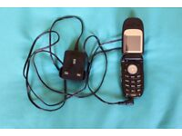 Motorola V220 mobile phone with charger, instructions & original box