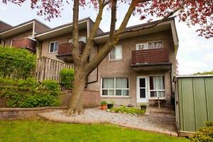 3 Bedroom Townhouse for Rent in North York!!