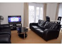 2 BEDROOM HOLIDAY APARTMENT IN LEYTONSTONE CLOSE TO WESTFIELD