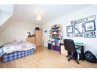 Great one Double Bedroom Flat in Streatham Hill! Wide, Bright, Airy, with plenty of Shops around