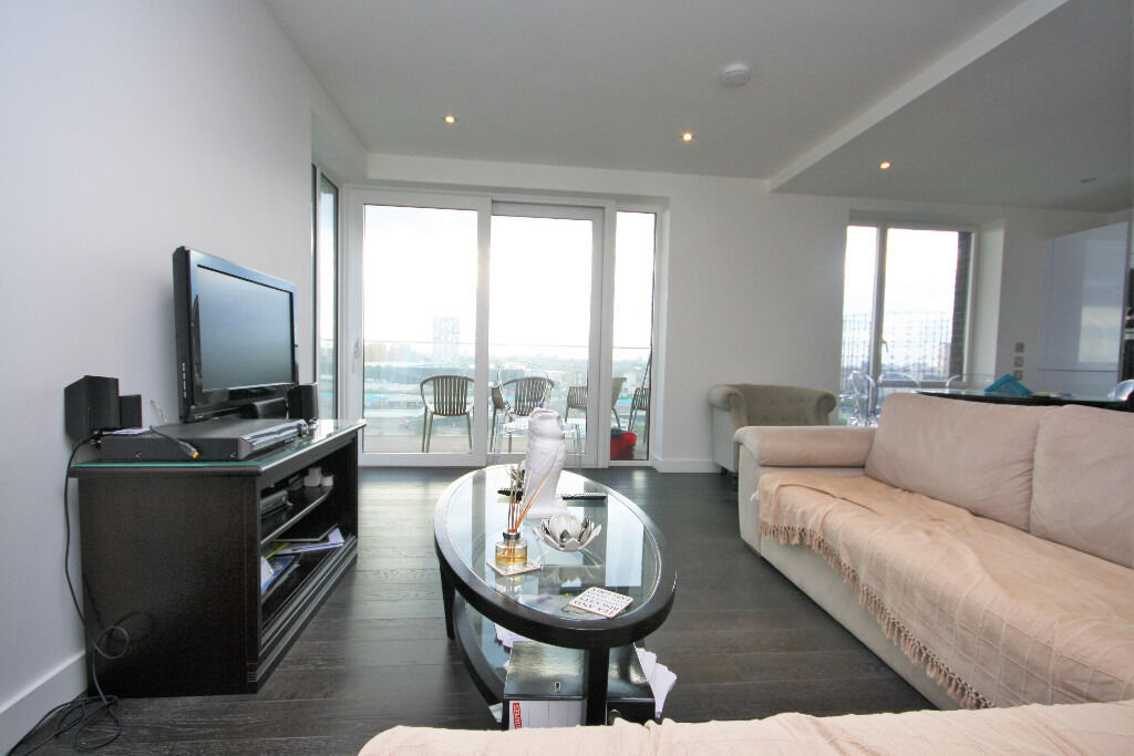 stylish two double bedroom apartment in this prestigious block in Greenwich Peninsula