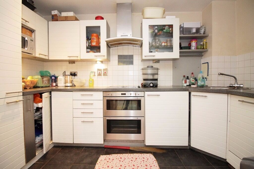 ***2 Bedroom 2 Bathroom Apartment in Tradewind E16 Pontoon Dock***